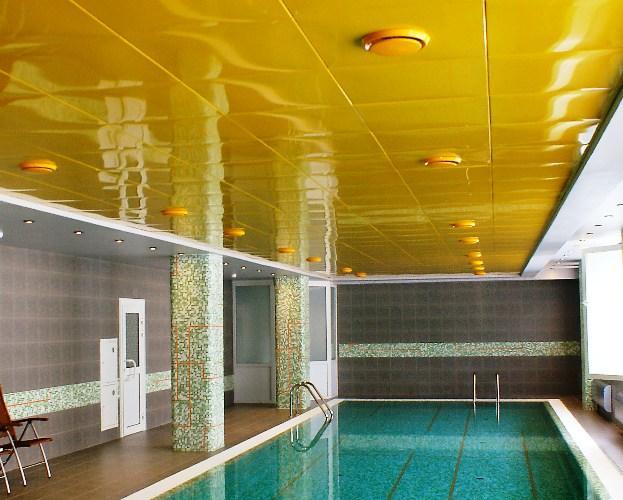 влагостойкий потолок в бассейне