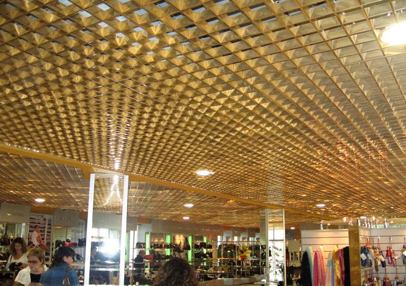 потолок Грильято золото в торговом центре