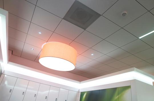 Интерьер комнаты с потолком OWA на системе S19